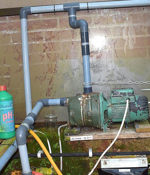Name:  water-pump.jpg Views: 99 Size:  155.3 KB
